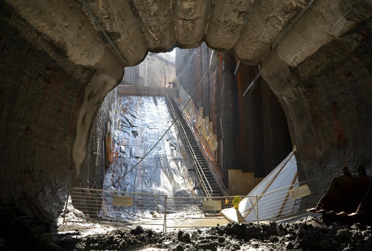 Beginnings of tunnel construction with escalator