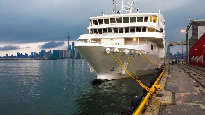 Cruise Ships PortsToronto - Docked cruise ship